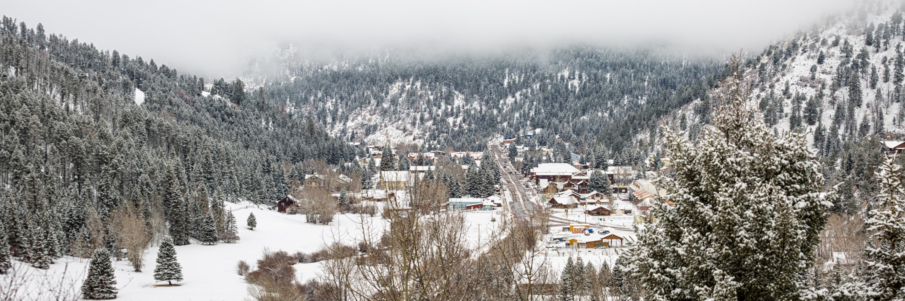 the town of Red River in winter - weekend getaways in New Mexico
